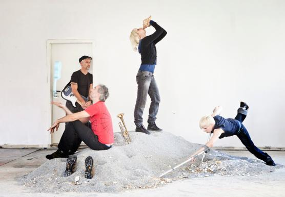 Jess Curtis, Jörg Müller , Maria Francesca Scaroni and Claire Cunningham in Dances for Non-Fictional Bodies; credit: hagolani.com